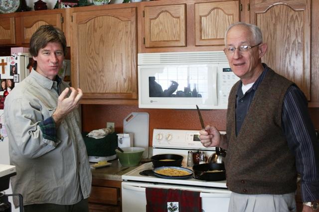 Tim and Dad make eierflensjes 122508 LR