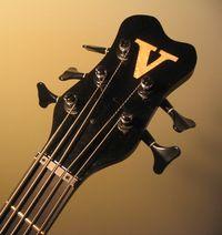 Toms bass