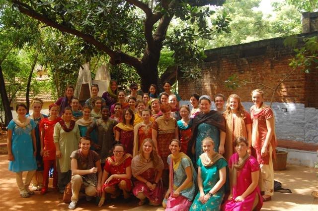 2010 06 Madisons Team in India